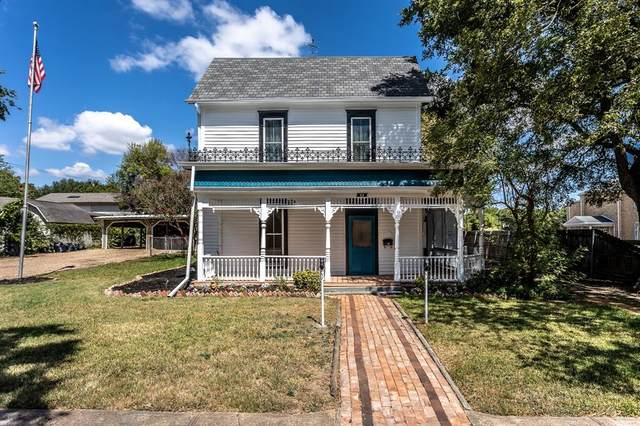111 E 3rd Street, Lancaster, TX 75146 (#14669058) :: Homes By Lainie Real Estate Group
