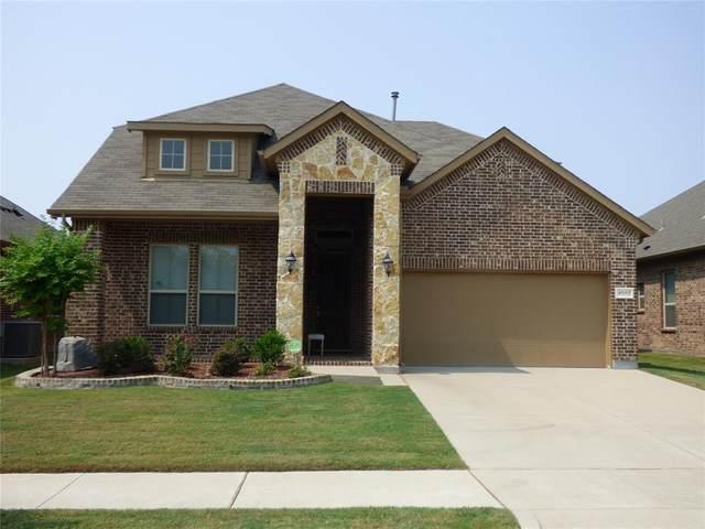 4000 Gennaker Drive, Denton, TX 76210 (MLS #14669106) :: The Mauelshagen Group