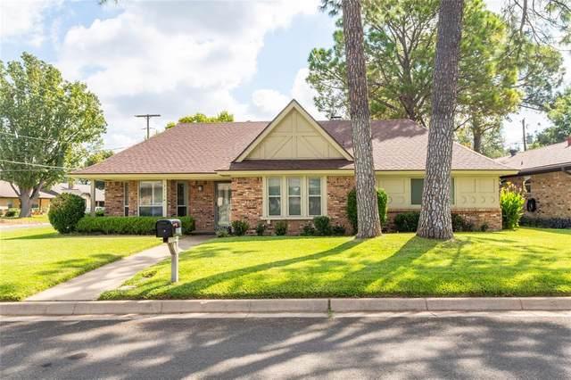 2511 Radcliffe Drive, Arlington, TX 76012 (MLS #14669373) :: Real Estate By Design