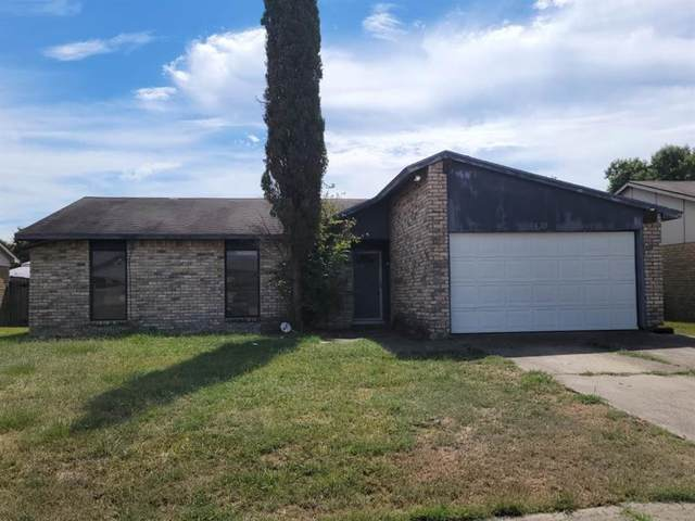 1425 Independence Trail, Grand Prairie, TX 75052 (MLS #14669546) :: Real Estate By Design