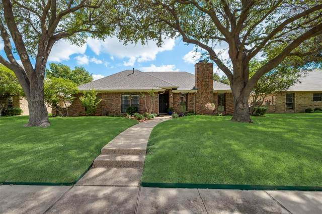 6908 Sweetwater Drive, Plano, TX 75023 (MLS #14669845) :: Real Estate By Design
