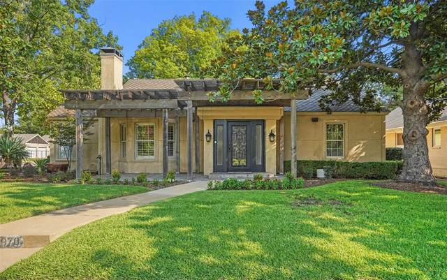 907 Washington Terrace, Fort Worth, TX 76107 (#14670012) :: Homes By Lainie Real Estate Group