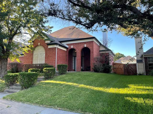 846 San Jacinto Drive, Grand Prairie, TX 75052 (MLS #14670196) :: The Tierny Jordan Network