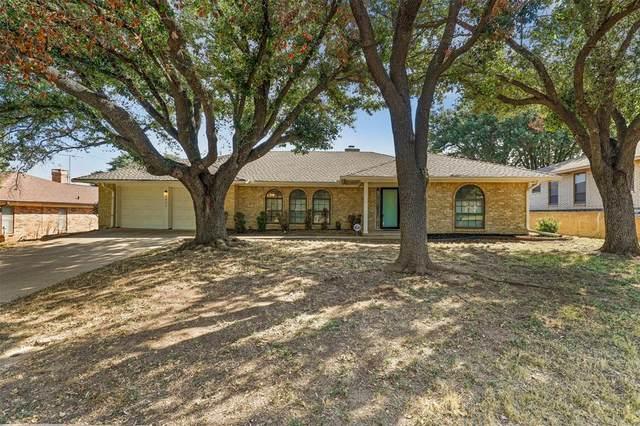6805 Lancelot Court, Fort Worth, TX 76133 (MLS #14670299) :: Real Estate By Design