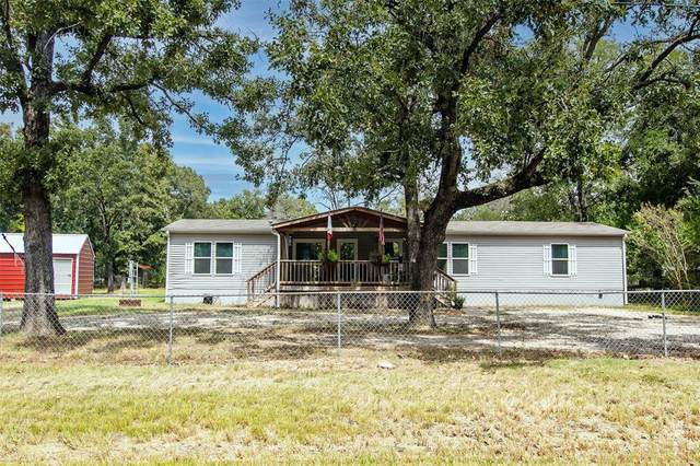 304 E Golden Oaks Drive, Mabank, TX 75156 (MLS #14670387) :: The Juli Black Team