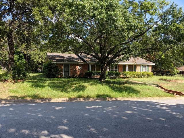 1400 Wreyhill Drive, Hurst, TX 76053 (MLS #14670416) :: Real Estate By Design