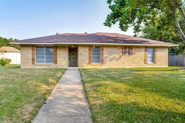 601 Lisa Lane, Cedar Hill, TX 75104 (MLS #14670607) :: Real Estate By Design