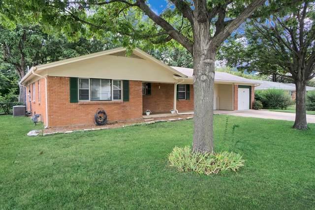 1221 Bradford Drive, Hurst, TX 76053 (MLS #14670638) :: Real Estate By Design