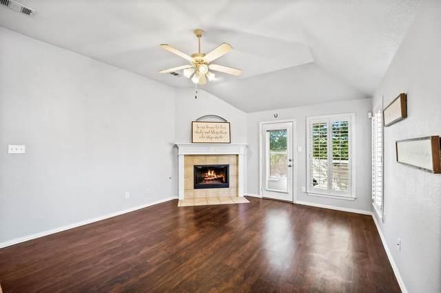11400 Petunia Drive, Fort Worth, TX 76244 (MLS #14670758) :: Maegan Brest | Keller Williams Realty