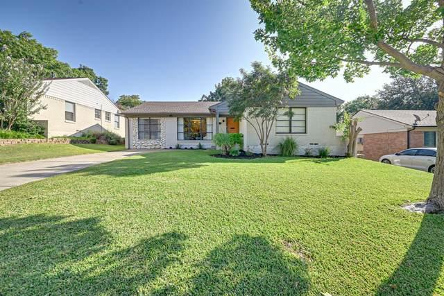 806 Kirkwood Drive, Dallas, TX 75218 (MLS #14670786) :: The Chad Smith Team