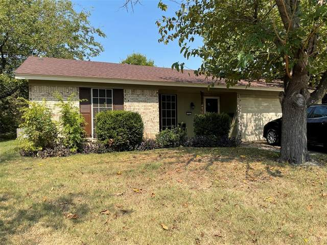 326 Boulder Court, Burleson, TX 76028 (MLS #14670923) :: Real Estate By Design