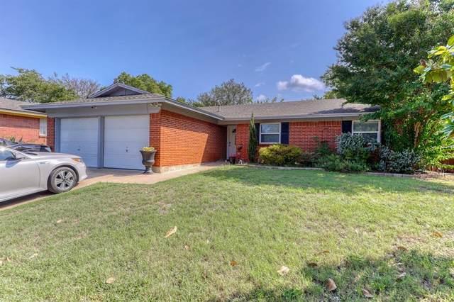 208 Rolling Hills Drive, Aledo, TX 76008 (MLS #14670979) :: VIVO Realty