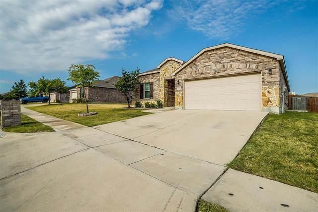 1235 Foxglove Lane, Burleson, TX 76028 (MLS #14671012) :: Real Estate By Design