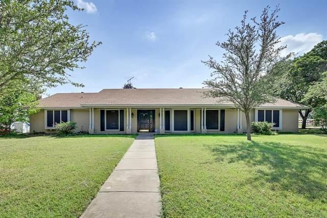 909 Oakmont Lane N, Fort Worth, TX 76112 (MLS #14671320) :: Real Estate By Design