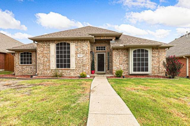 1937 Clifton Drive, Mesquite, TX 75149 (MLS #14671360) :: Real Estate By Design