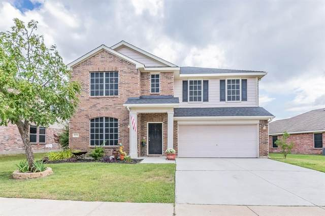 9232 Liberty Crossing Drive, Fort Worth, TX 76131 (MLS #14671620) :: Real Estate By Design