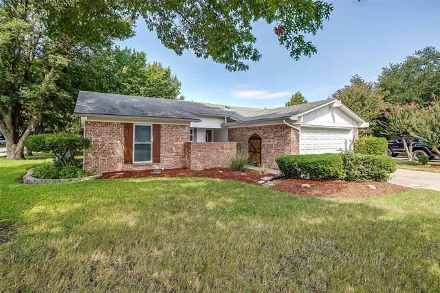 1112 Thistle Court, Benbrook, TX 76126 (MLS #14671621) :: Lisa Birdsong Group | Compass