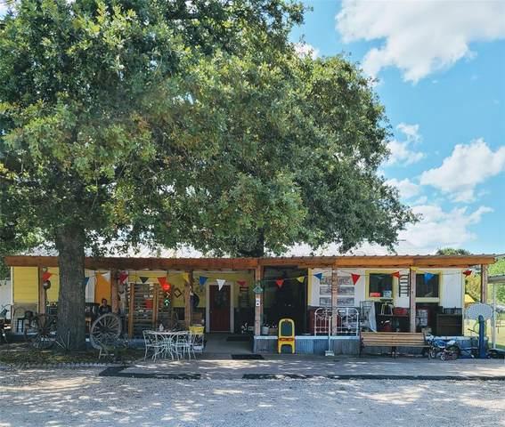 100 Manor Drive, Azle, TX 76020 (MLS #14671768) :: The Juli Black Team
