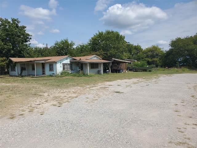 1002 N Cates Street, Decatur, TX 76234 (MLS #14671855) :: The Mauelshagen Group