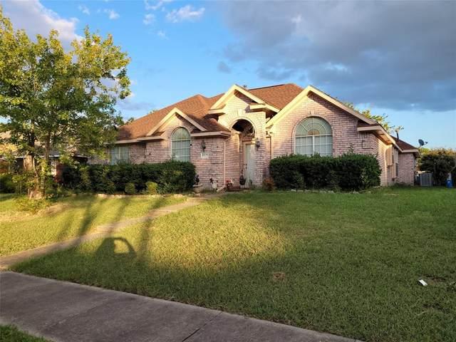 2614 Thistle Lane, Rowlett, TX 75089 (MLS #14671857) :: Lisa Birdsong Group   Compass