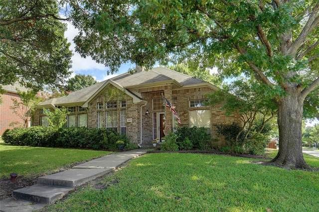 2402 Charter Creek Court, Mesquite, TX 75181 (MLS #14672058) :: Real Estate By Design
