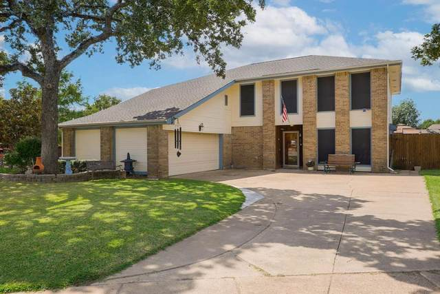 2401 Holly Court, Euless, TX 76039 (MLS #14672080) :: Real Estate By Design