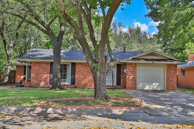 303 W Garnett Street, Gainesville, TX 76240 (MLS #14672119) :: Crawford and Company, Realtors