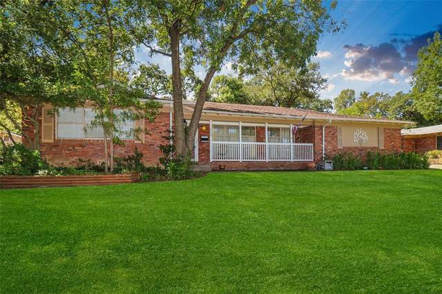 6000 Monterrey Drive, Fort Worth, TX 76112 (#14672135) :: Homes By Lainie Real Estate Group