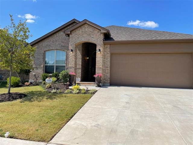 1008 Madelia Avenue, Fort Worth, TX 76177 (MLS #14672220) :: Russell Realty Group