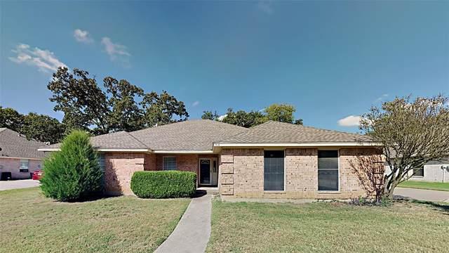 414 Baldwin Drive, Joshua, TX 76058 (MLS #14672416) :: The Hornburg Real Estate Group