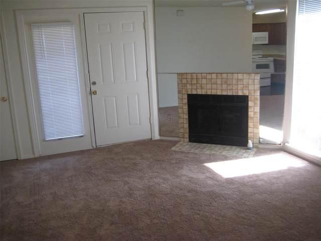 9835 Walnut Street #105, Dallas, TX 75243 (MLS #14672476) :: Real Estate By Design