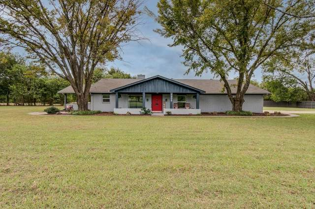 Ennis, TX 75119 :: Homes By Lainie Real Estate Group