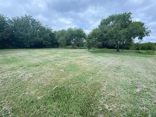 #6 Shady Oaks Circle, Shady Shores, TX 76208 (MLS #14672980) :: Real Estate By Design