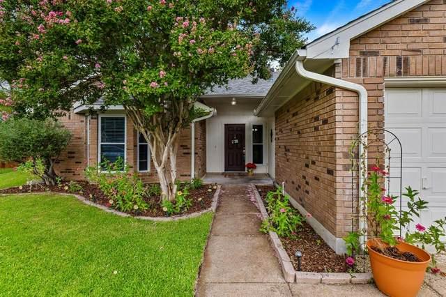 1437 Sedalia Drive, Flower Mound, TX 75028 (MLS #14673061) :: Team Hodnett