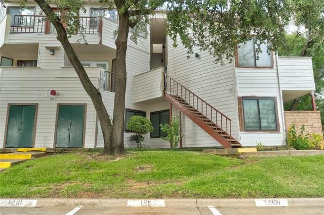 2311 N Basil Drive C201, Arlington, TX 76006 (MLS #14673472) :: VIVO Realty