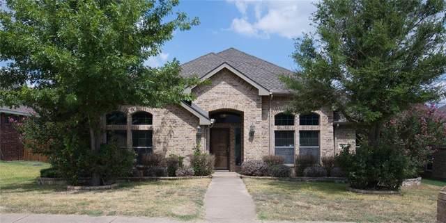 1729 White Falls Drive, Desoto, TX 75115 (MLS #14673495) :: Real Estate By Design