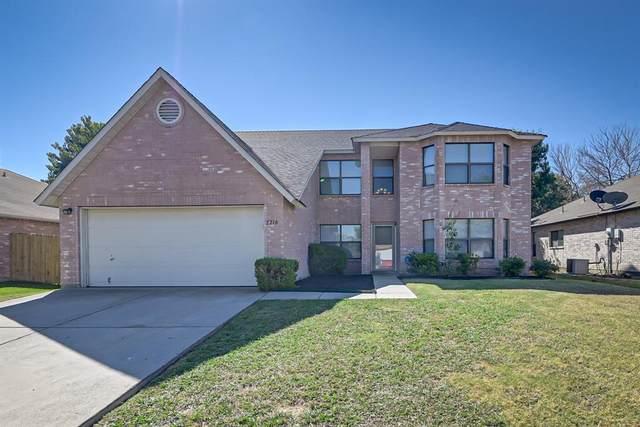 2210 Delaford Drive, Arlington, TX 76002 (MLS #14673780) :: Trinity Premier Properties