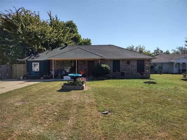 302 S 1ST Street, Sanger, TX 76266 (MLS #14673854) :: Team Hodnett
