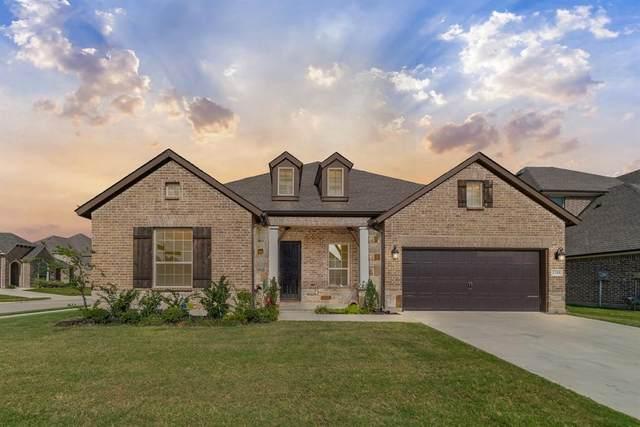 1100 Cordova Street, Mansfield, TX 76063 (MLS #14673896) :: Premier Properties Group of Keller Williams Realty