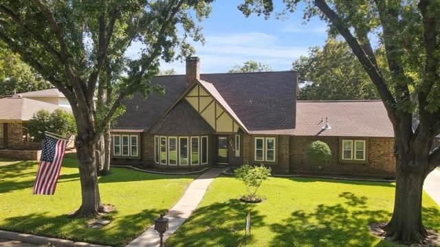 2214 Bishop Street, Grand Prairie, TX 75050 (MLS #14673921) :: Real Estate By Design