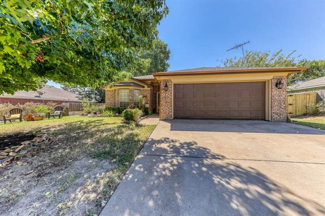 313 Sweetwater Drive, Weatherford, TX 76086 (MLS #14673981) :: Potts Realty Group