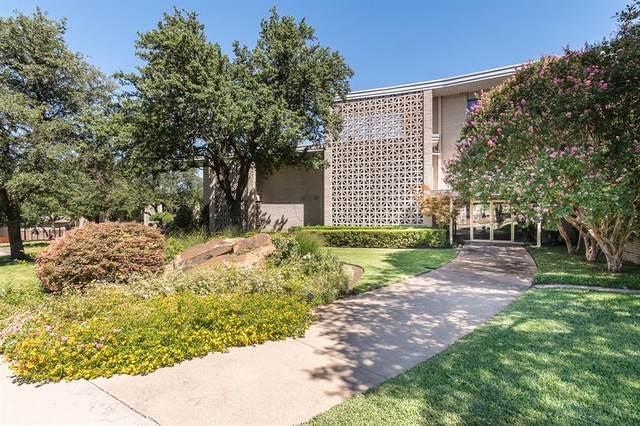 2301 Ridgmar Plaza #18, Fort Worth, TX 76116 (MLS #14673986) :: The Chad Smith Team