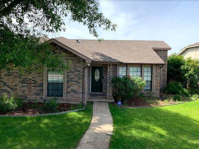 4505 Queen Circle, The Colony, TX 75056 (MLS #14674105) :: The Star Team | Rogers Healy and Associates