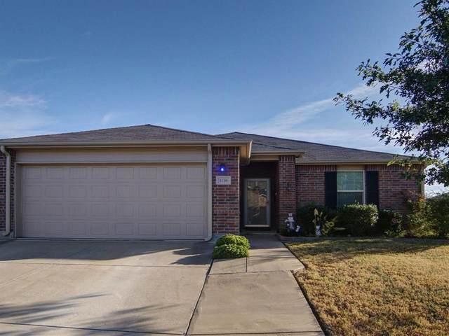 1136 Foxglove Lane, Burleson, TX 76028 (MLS #14674221) :: Craig Properties Group
