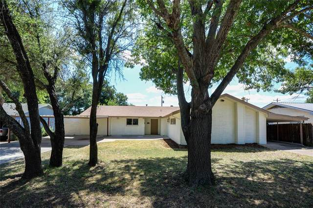 1111 W Bloodworth Street, Olney, TX 76374 (MLS #14674441) :: Real Estate By Design
