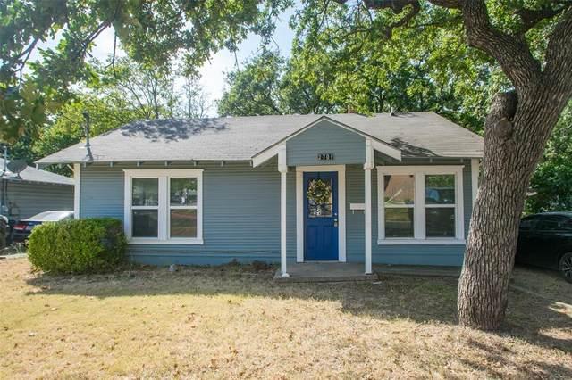 2701 N Locust Street, Denton, TX 76209 (MLS #14674479) :: Team Hodnett