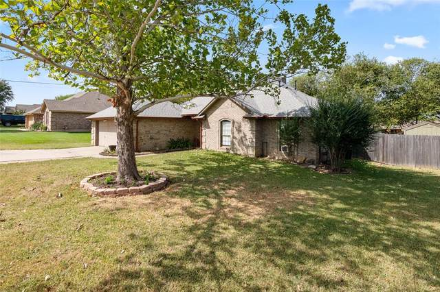 300 Woodlawn Street, Krum, TX 76249 (MLS #14674542) :: The Russell-Rose Team