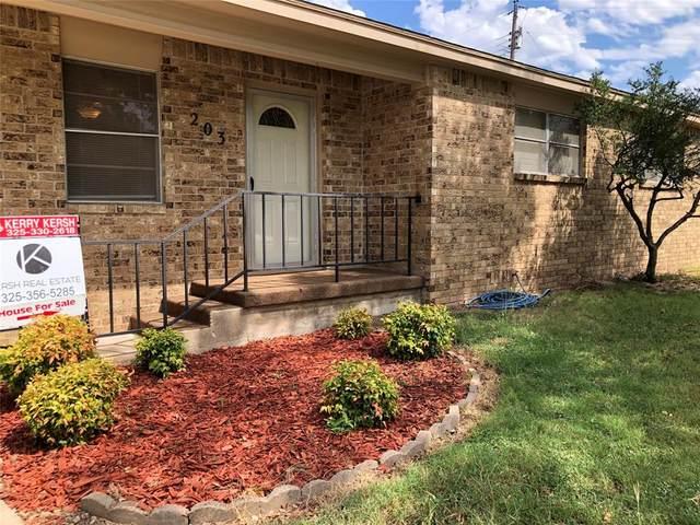 203 W Martin Avenue, Comanche, TX 76442 (MLS #14674553) :: All Cities USA Realty