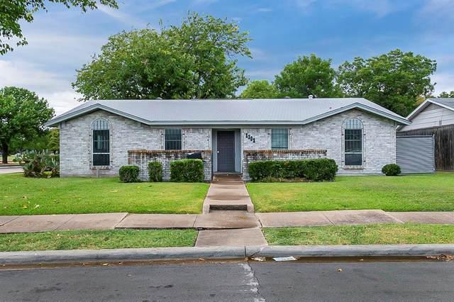 1301 Old Mill Run, Garland, TX 75042 (MLS #14674643) :: Premier Properties Group of Keller Williams Realty