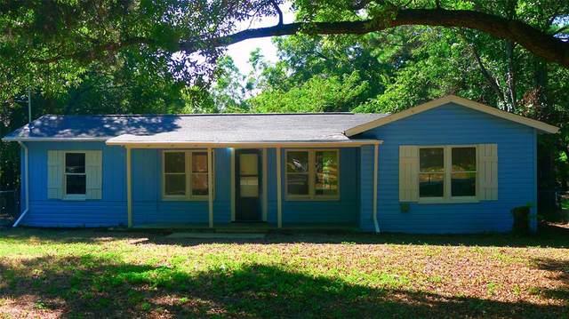 220 Shoreline Drive, Azle, TX 76020 (MLS #14674687) :: Real Estate By Design